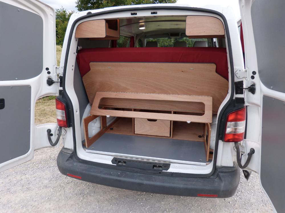 quels am nagements amovibles dans un fourgon minicampingcar com. Black Bedroom Furniture Sets. Home Design Ideas